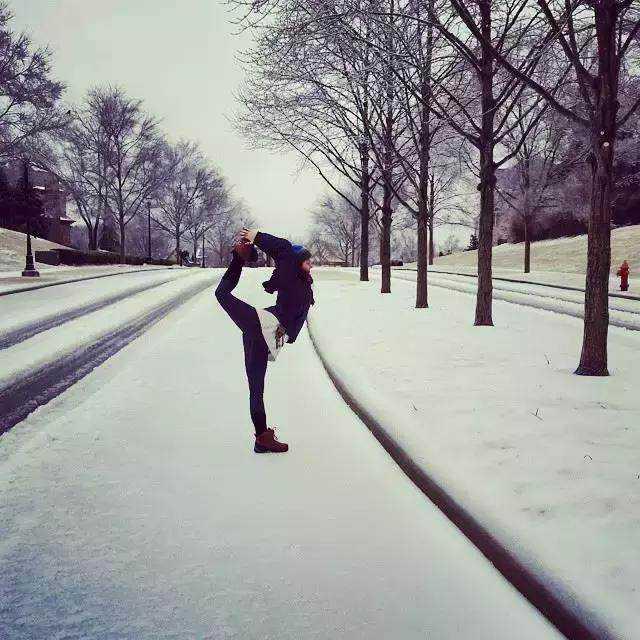 瑜伽雪,撒点野!图片