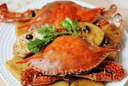 又到蟹黄油满时 品螃蟹盛宴