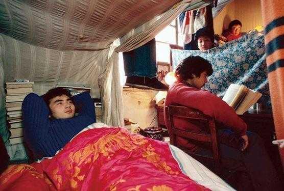 那时大学生的寝室生活很简单