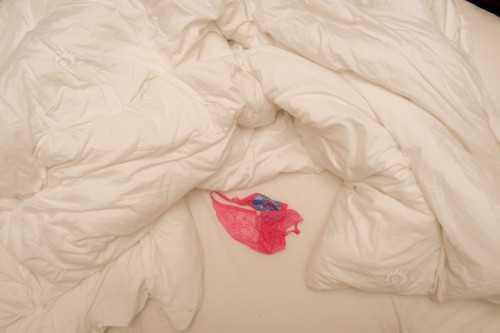 弄脏酒店床单的方法都有哪些?每一种都能让你目瞪口呆