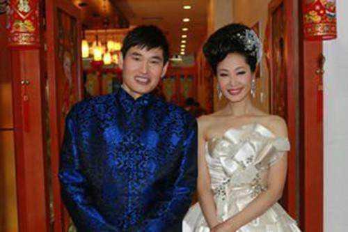 于文华与朱之文在舞台上合唱过《洪湖水浪打浪》,《枉凝眉》等歌曲图片