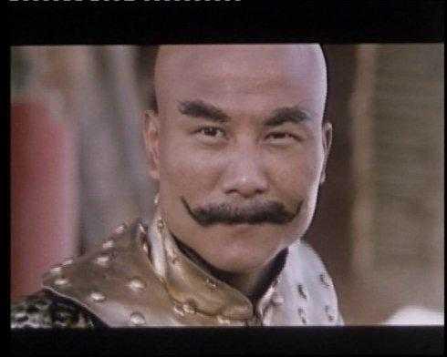 功夫不输李连杰,成龙的金牌大反派,中毒导致头发和眉毛都掉光图片
