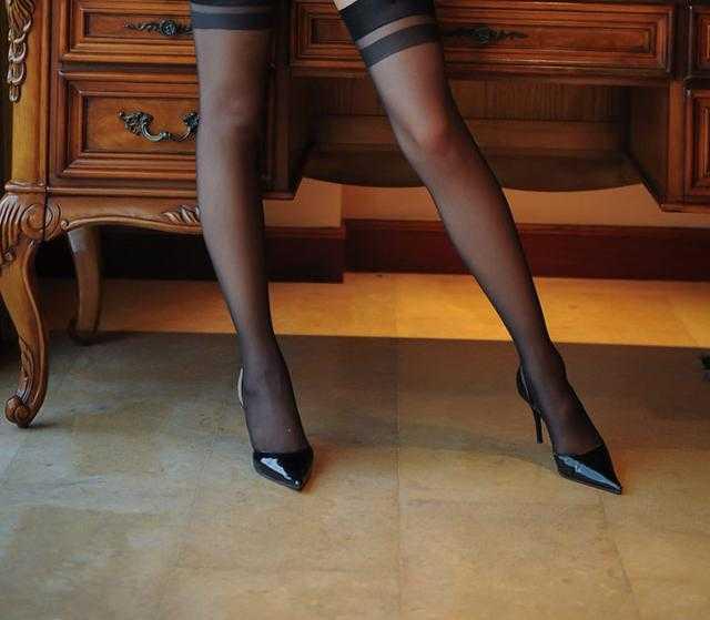 美女美女爱高跟鞋!素自拍图片颜时尚图片