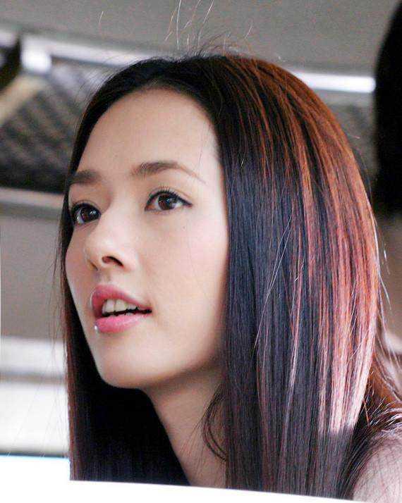 郭碧婷绝对是妹妹见过长直发驾驭得最好的女明星之一了,看《小时代》图片