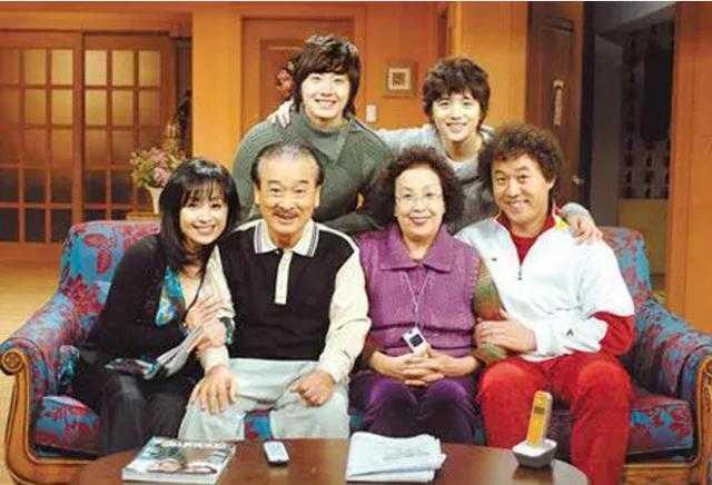 人生第一部下饭韩剧《搞笑一家人》近日拍摄十