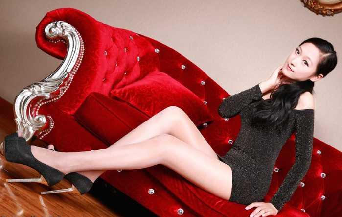 高跟鞋丝袜美女�9��_12cm高跟鞋搭配丝袜凸显大长腿,时尚魅力美女必修技能