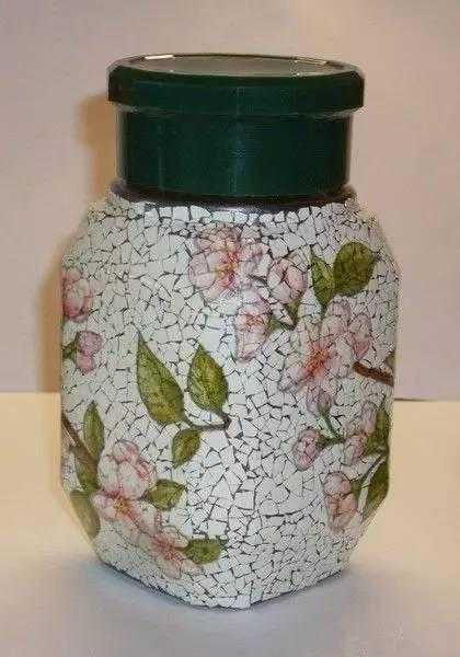 幼儿园鸡蛋壳废品手工,精美的贴画,相框,花瓶如同艺术
