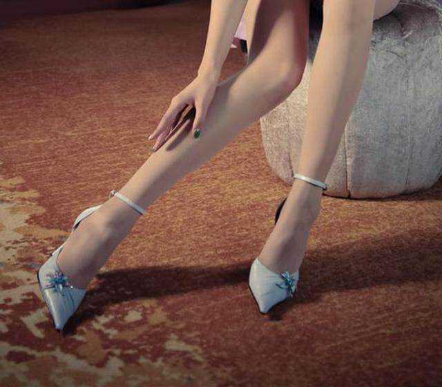磁力美女爱高跟鞋屎美女时尚链接图片