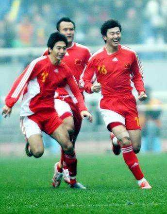 2008年东亚四强赛:中国男足2-3负韩国男足,这场惜败非常可惜!
