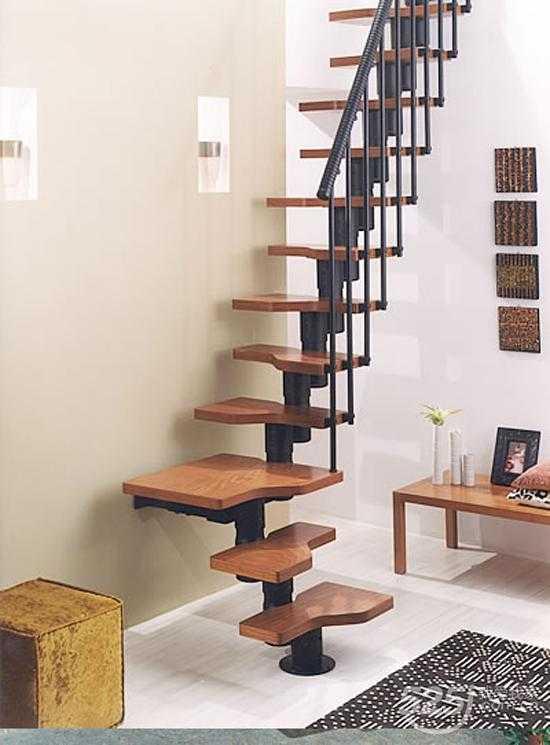 单钢质龙骨,比较流行的l形的楼梯.