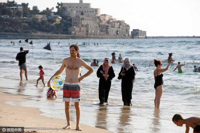 以色列:穆斯林高清穿布基尼美女v高清,与比基尼美女争艳海滩壁纸黑色妇女图片
