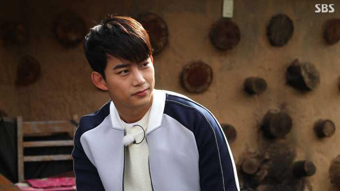 玉泽演综艺�9`���Κ�_2pm 成员 玉泽演 参加sbs 综艺 《吃饭了吗》 ,向父母表达了爱意 .