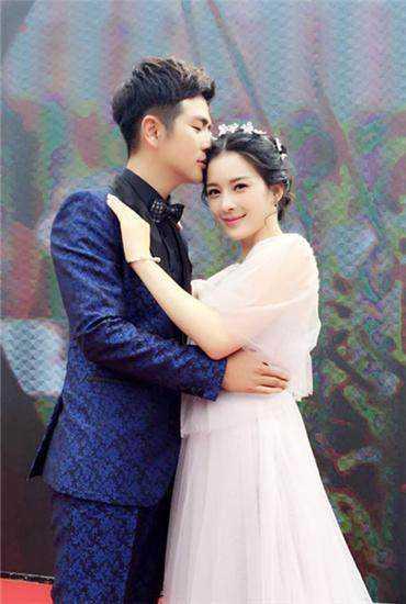 《愛人的謊言》中藍盈瑩和《十月圍城》中劉芷汐都與張曉龍在劇中結婚圖片