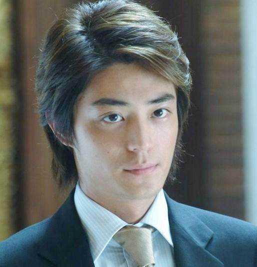 长头发的男明星中,很帅的,除了郑伊健就是他