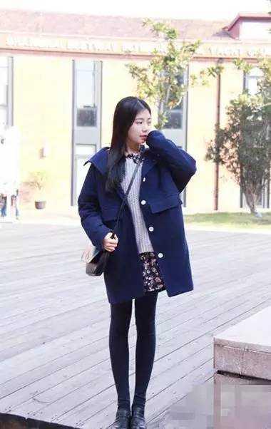 大衣搭配裙子,冬季流行优雅风格!