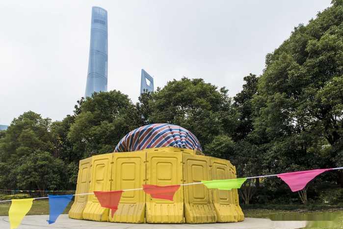 """上海一雕塑被指剽窃伦敦塔桥边标志性雕塑""""timepiece"""