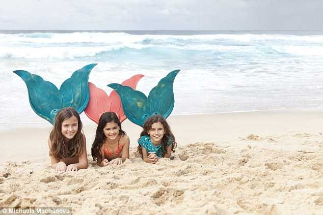 """澳女子开设""""美人鱼""""课 终于实现多年童话梦图片"""