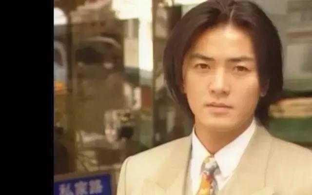 tvb经典剧集《笑看风云》,郑伊健和陈松伶这对cp还记得吗?