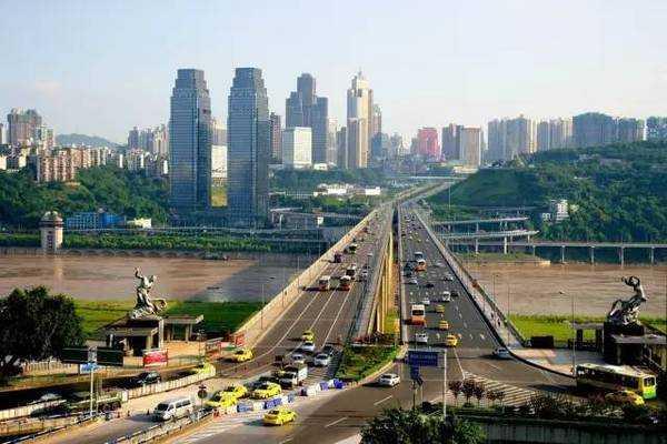 重庆���izd�b��b�_ b>石板坡长江大桥 /b> 重庆石板坡长江大桥位于重庆市渝中区石板坡
