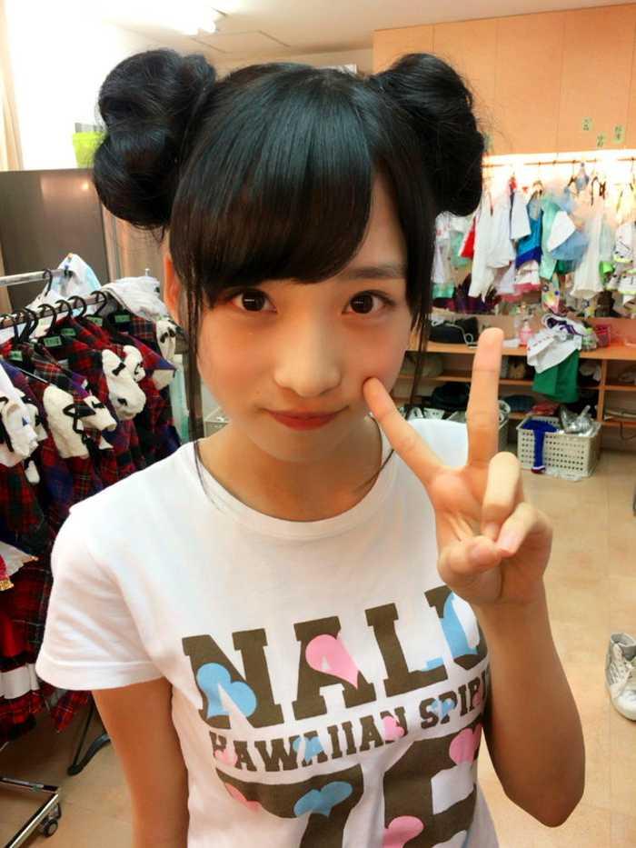 小谜里镇小里栗_日本两万年才一见的美少女,14岁新人萌妹子小栗有以参