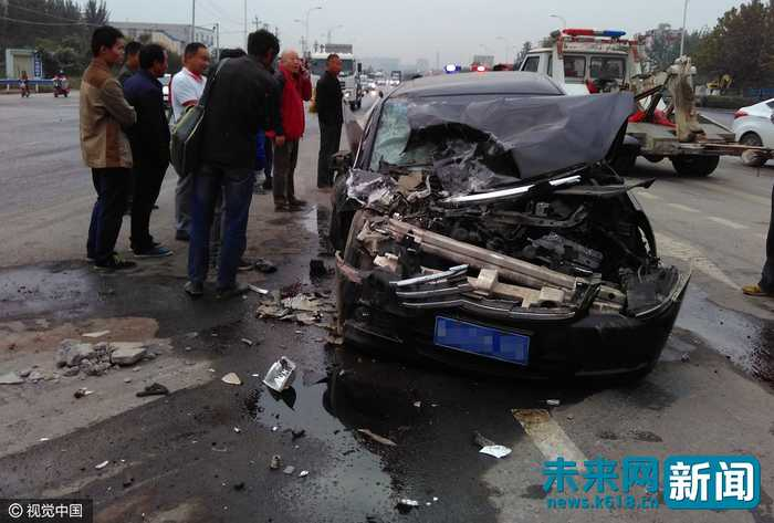 2016年10月9日,河南省郑州市西四环渣土发生美术车与事件相撞轿车.音乐v渣土初中生再次图片