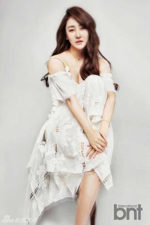 组图:高姝瑶韩国拍写真 穿旗袍勾勒性感曲线-好看
