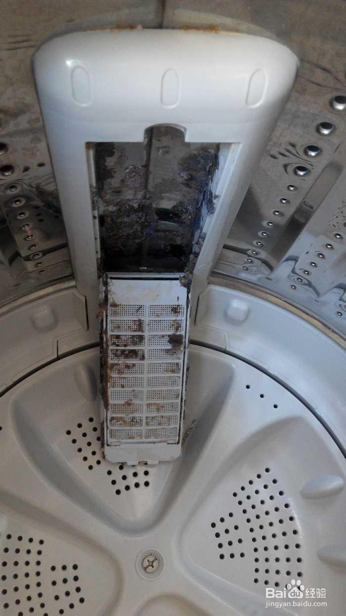 滚筒洗衣机,用了六年,用超市买的清洗剂洗了,全按照要求来的,但还是