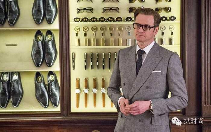 资深特工哈利·哈特不仅身怀绝技,处变不惊,而且打扮的一丝不苟丝袜最多的谍战剧图片