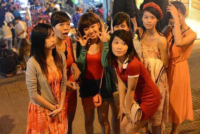 越南酒吧妹2014_实地探访越南酒吧:越南年轻人已经变得时尚,个性!