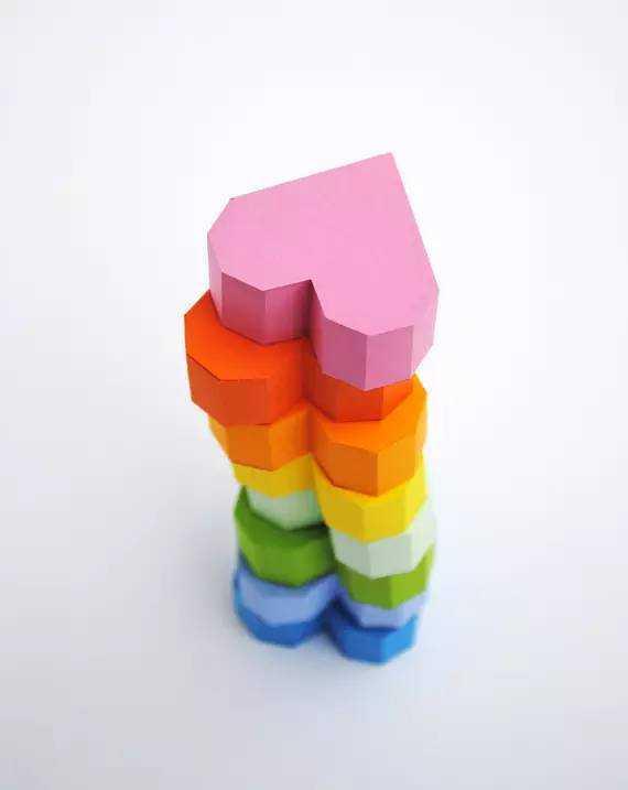 手工制作教程如下: 想要自己折纸盒?