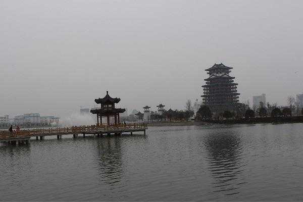 旅游 文章详情  三:潜江市,位于湖北省中部江汉平原,武汉城市圈成员.