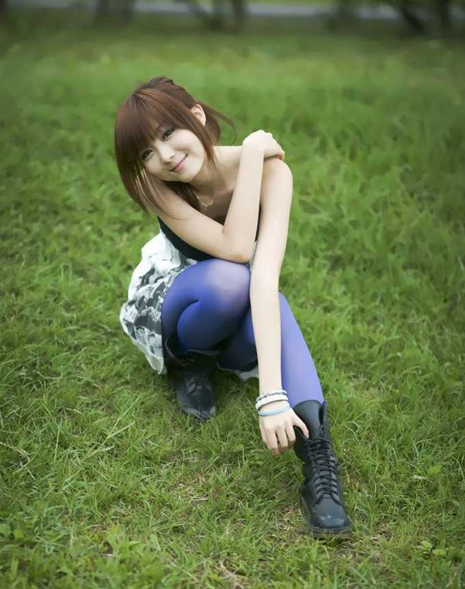 最美气质放风筝的少女 清纯漂亮美女图片