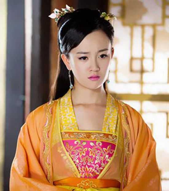 谁是真正的古装女神,赵丽颖杨幂唐嫣古装对比,迪丽热巴美呆了图片