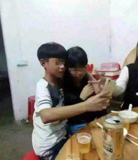 小学生情侣喝酒亲吻晒照片,家长看到后好几天不敢出门