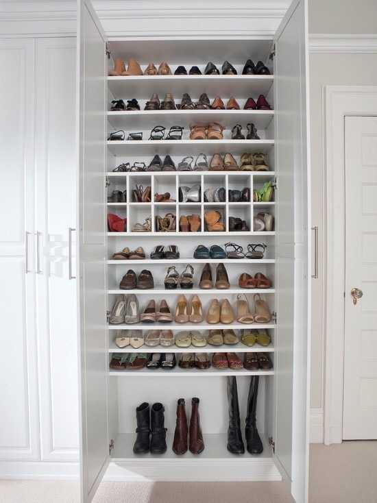 空间有限可在鞋柜设计上动脑筋,比如这样图片