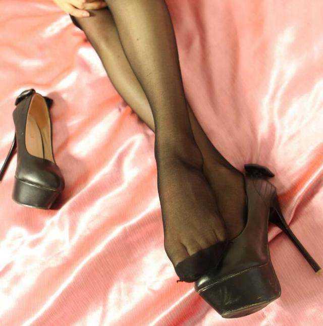 时尚图片高跟鞋开路美女虎美女图片