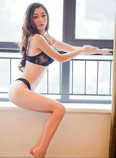 美女性感私密照 s曲线大秀身材致命诱惑图片