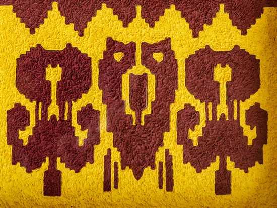 参选地:新疆 阿图什市 创意阐释:作品用真丝艾德莱斯为设计面料和花纹