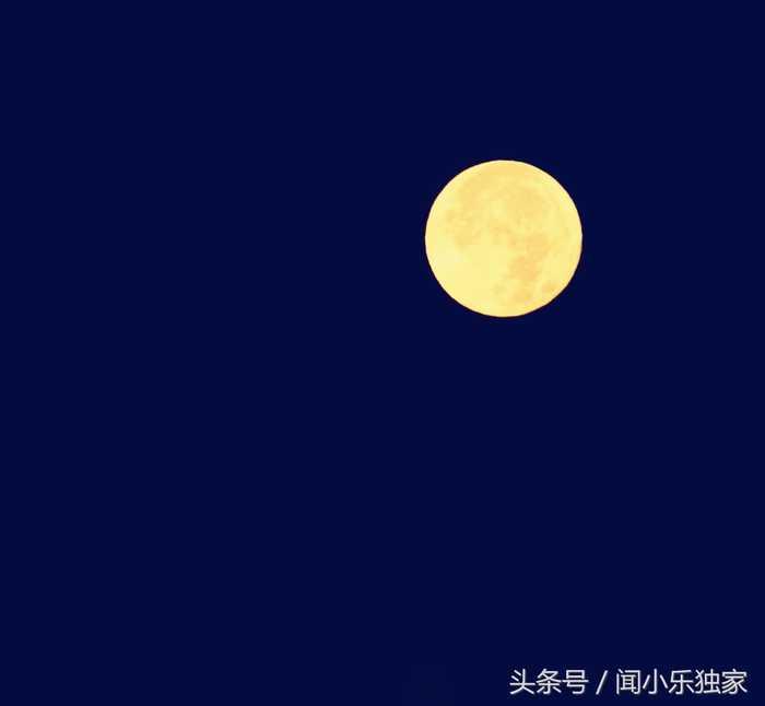 """400多天才出现一次的""""超级月亮"""",珠圆玉润,如梦似幻图片"""