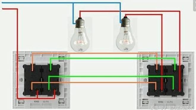 两地控制一盏灯 双联开关如何接线图片