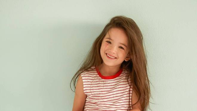 8岁英韩混血小模特louie tucker,美爆了的雀斑小姑娘