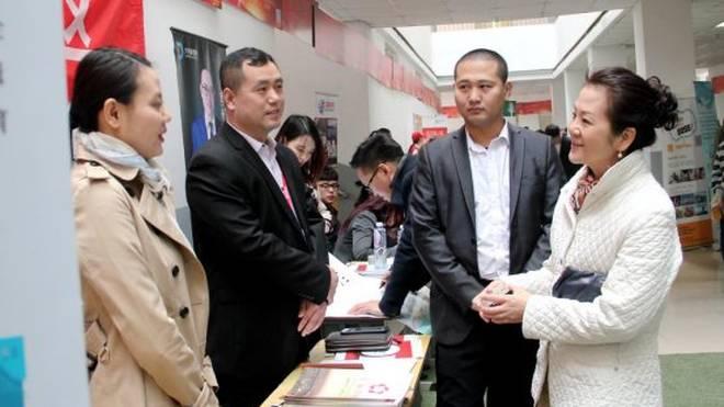 燕京理工学院举办大型校园招聘会 精准化就业服务满足